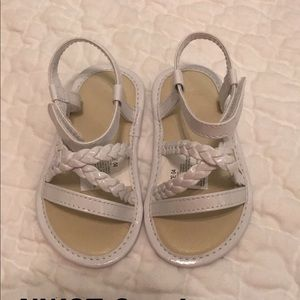Size 4 NWOT white sandals -only tried on